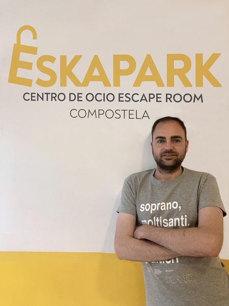 "Entrevista a Eduardo Coto, franquiciado de Eskapark Compostela, un negocio ""para vivirlo"""