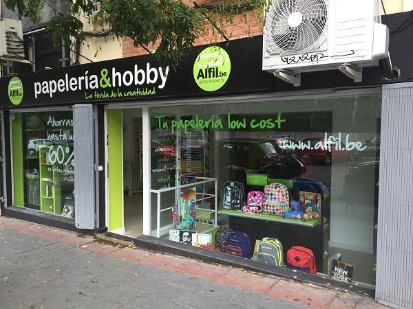 Alfil.be aumenta su red de franquicias con una nueva papelería en Arganzuela