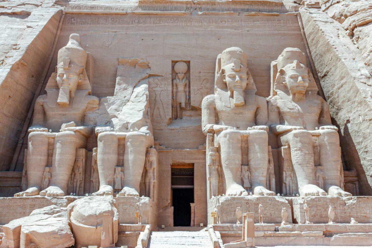 El catalán no es egipcio faraónico