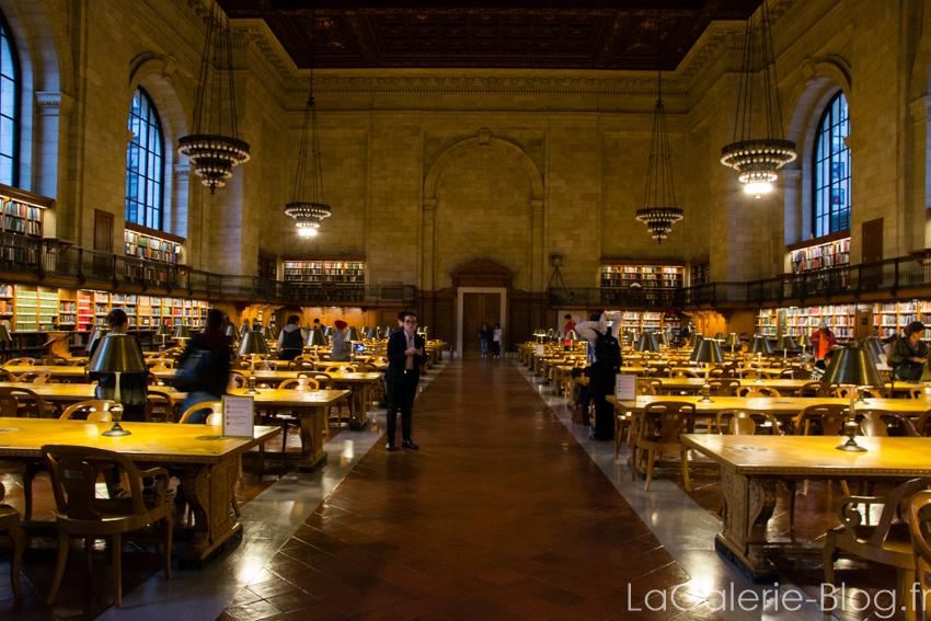 intérieur de la bibliotheque de new york