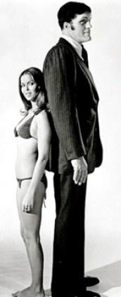 """Requin"" et Barbara Bach alias Major Anya Amasova dans ""L'espion qui m'aimait"""