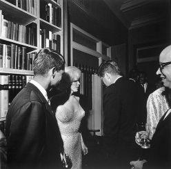Marilyn avec JFK après le show