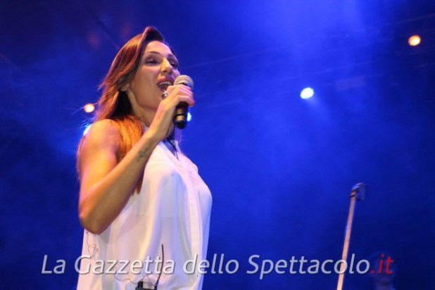 Anna Tatangelo live