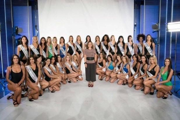 Le 30 Finaliste di Miss Italia 2017 con Patrizia Mirigliani. Foto Ufficio Stampa.