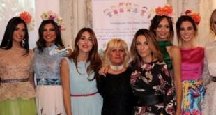 Miriam Candurro, Maridi Vicedomini e Giada Curti insieme alle modelle di Sinfonia d'Autunno 2017.