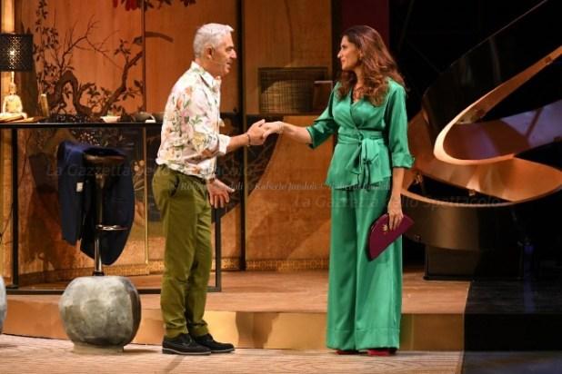 Biagio Izzo e Stefania De Francesco in Tartassati dalle tasse