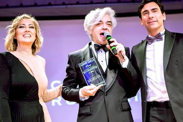 Morgan al Casinò di Sanremo mentre ritira il Premio Eccellenze d'Italia
