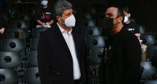 Roberto Fico e Francesco Di Leva durante la conferenza Reboot al NEST