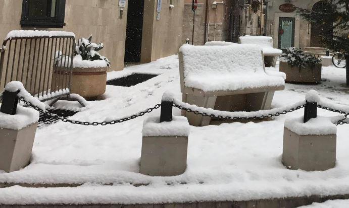 neve senza tregua al sud