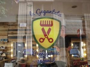 logo peluqueria infantil la geganteta
