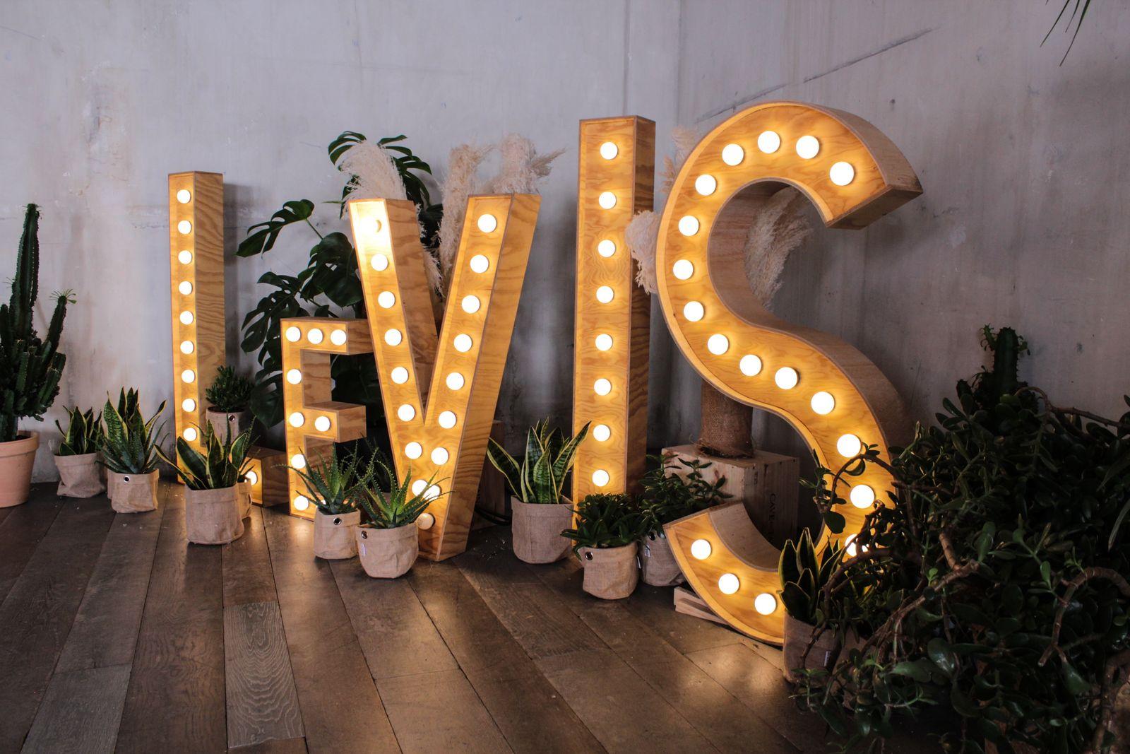 Levis2