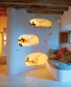 Letti a castello tipo Flintstones descritti da L'Agenda di mamma Bea