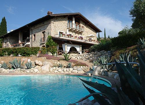 Agriturismo Cascina Crocelle  Padenghe  Lago di Garda