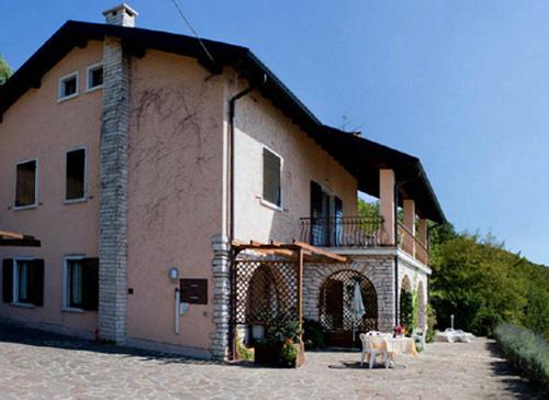 Residenza Villa Laura  Torri del Benaco  Lago di Garda