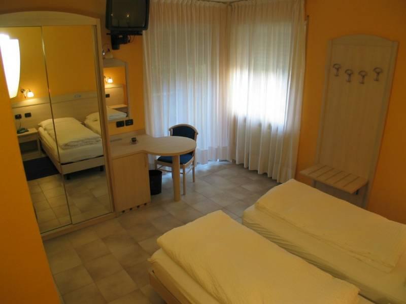 Hotel Garni Toresela 2 stelle Torbole Nago  Lago di Garda