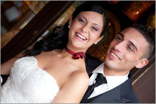 Matrimonio Tema Rosso : Bouquet sposa con rose rosse passion e cristalli swarovski