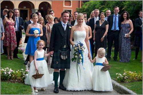 abito-blu-damigella-matrimonio