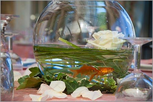 centrotavola-pesci-rossi-e-fiori