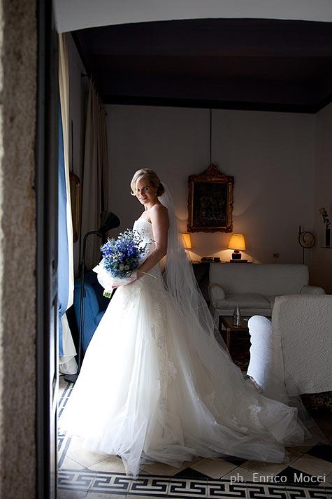 Bouquet da sposa con delphinium blu - Gemelli diversi foto ricordo ...