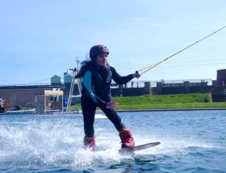 Beginner Wakeboard Information and Learn more or less Wakeboarding