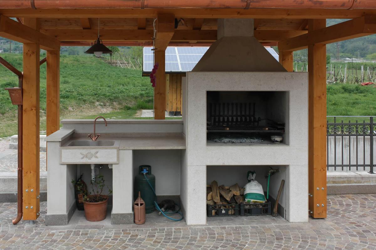 Piano di lavoro e lavello per cucina esterna  Lagorai Pietre