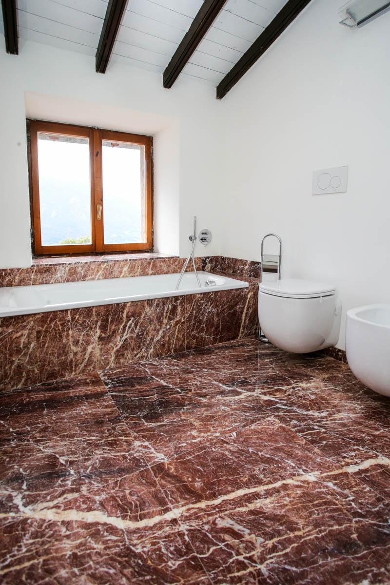 Bagno in marmo rosso  Lagorai Pietre