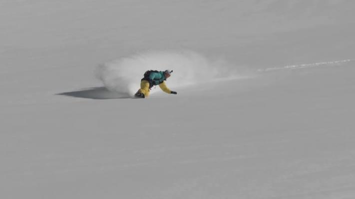 1912049 10152246628703750 169877924 n 711x400 - Rencontre avec Ludwig Bianchin, un snowboarder qui a du chien