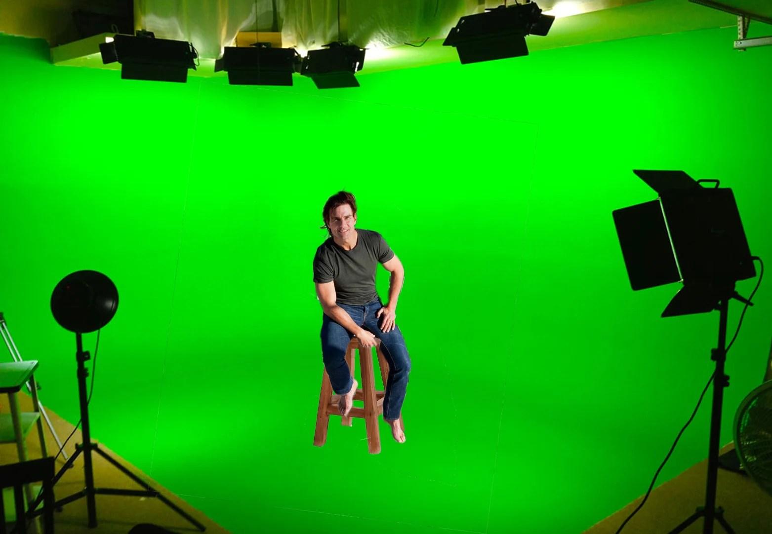 Tom Cruise sube a la Torre ms Alta del Mundo photoshop