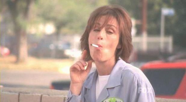 lois fumando