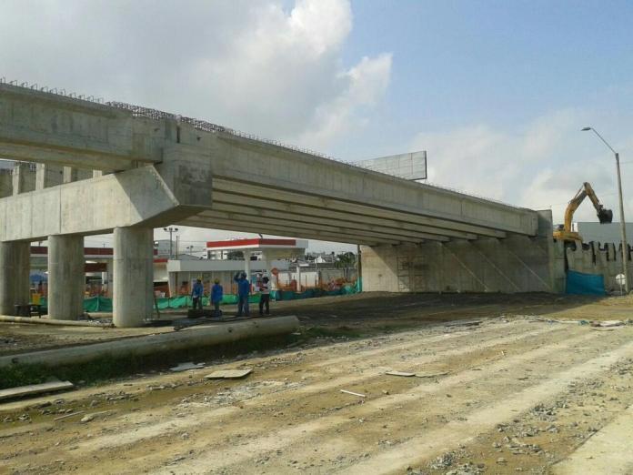 Puente de la calle 29 con avenida circunvalar