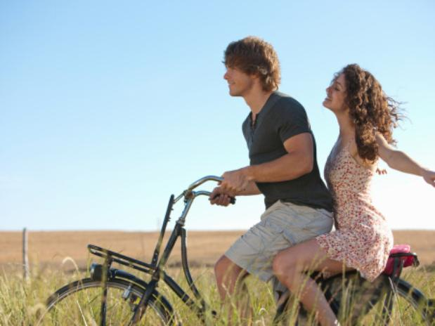 pareja-bicicleta-confianza+monteria+córdoba
