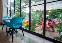 Paseo 206: Elegant hostel and restaurant