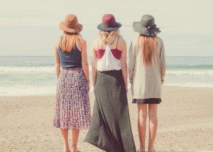 beach, women, shore-1868130.jpg