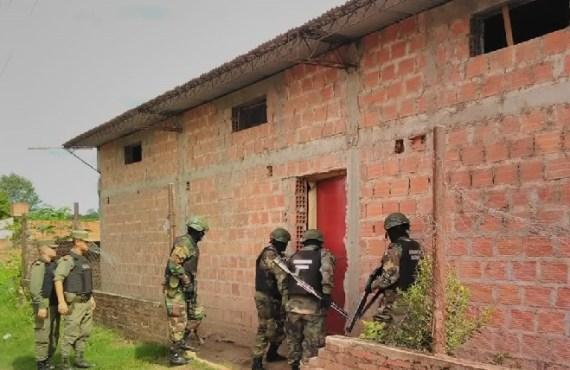 Detienen a un clan familiar que captaba personas vulnerables para traficar cocaína bajo la modalidad de cápsuleros