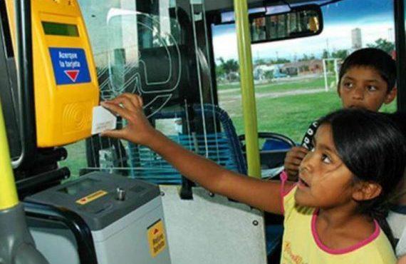 Por el día del Niño, los chicos viajan gratis en SAETA