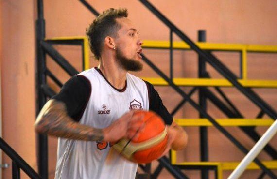 """Mateo Bolivar escolta de Salta Basket: """"Nunca se dejó de entrenar y creer, por eso volvimos a tener un gran momento"""""""