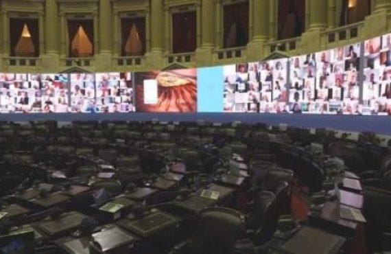 Diputados piden que se congelen las cuotas de los colegios privados