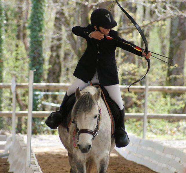 FFE-tir à l'arc à cheval et poney