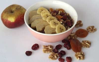 Cómo hacer unas Deliciosas Gachas de Avena, Fruta y Frutos Secos