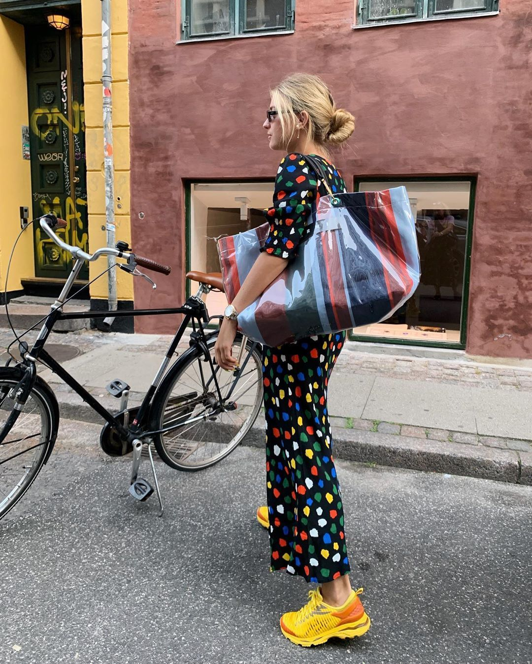 Resultado de imagem para maxi bags street style