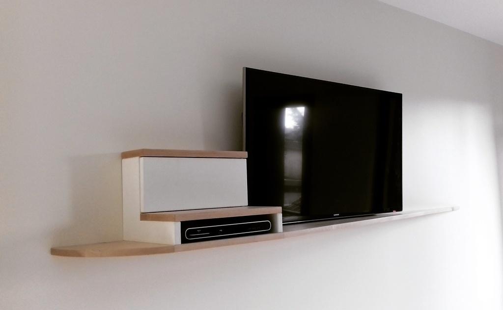 meuble tv suspendu par slick sur l air