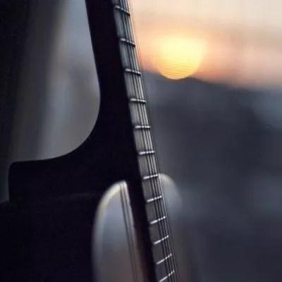 """""""C'est pourquoi demain, je serai réveillé"""" / Guitare de Laïus : Takamine"""
