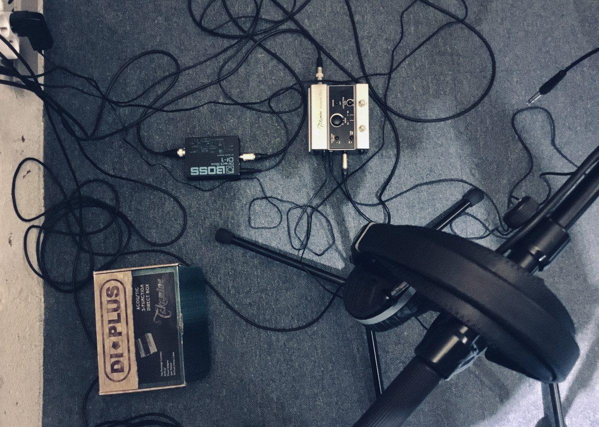 Casque audio et boitier de direct