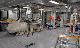 konehuoneessa, dieselgeneraattori