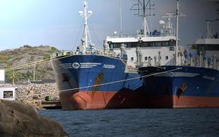 THEODORA. Rakennettu 1991, Hollanti. 110x17m. Öljytuotetankkeri. Pääkone Wärtsilä 8R32 nelitahtinen. 3000 KW. Lastitankit 9 kpl yht. 5156 m3. Lippu: Hollanti