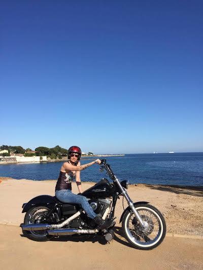 Valérie - Harley-Davidson - Dyna Modèle Street Bob
