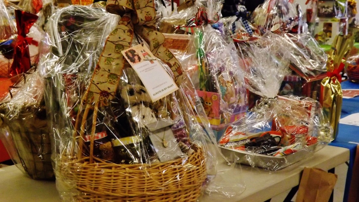 ladies auxiliary basket fundraiser