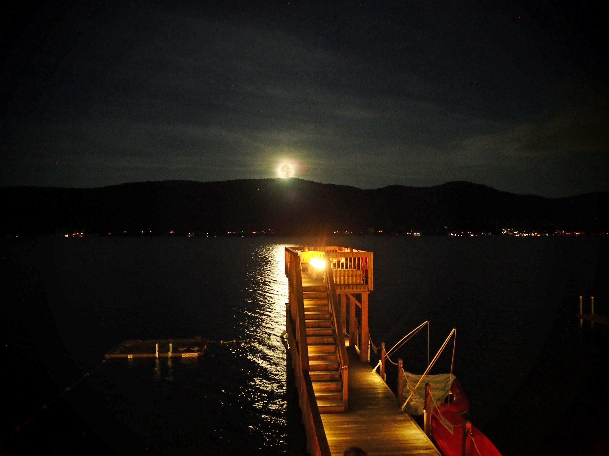 observation_deck_fullmoon