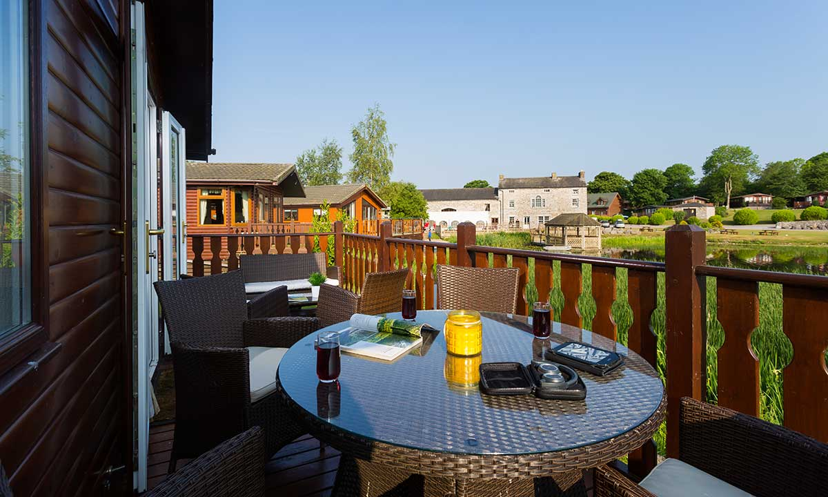 quayles-lodge-lakeland-lodges-2