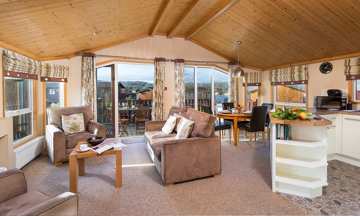 Crag-View-Lodge-Lake-Lodges-1